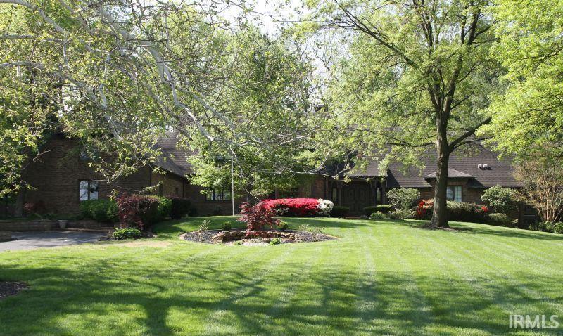 Evansville                                                                      , IN - $899,000