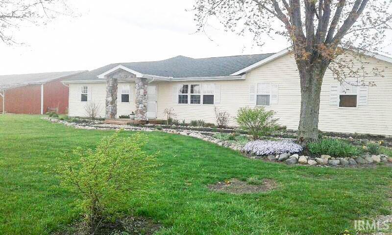 887 E Schoolhouse Rd, Kendallville, IN 46755