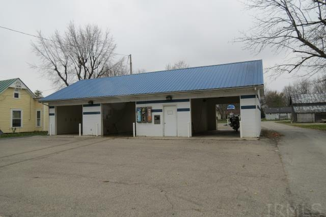 295 S Main St, Farmland, IN