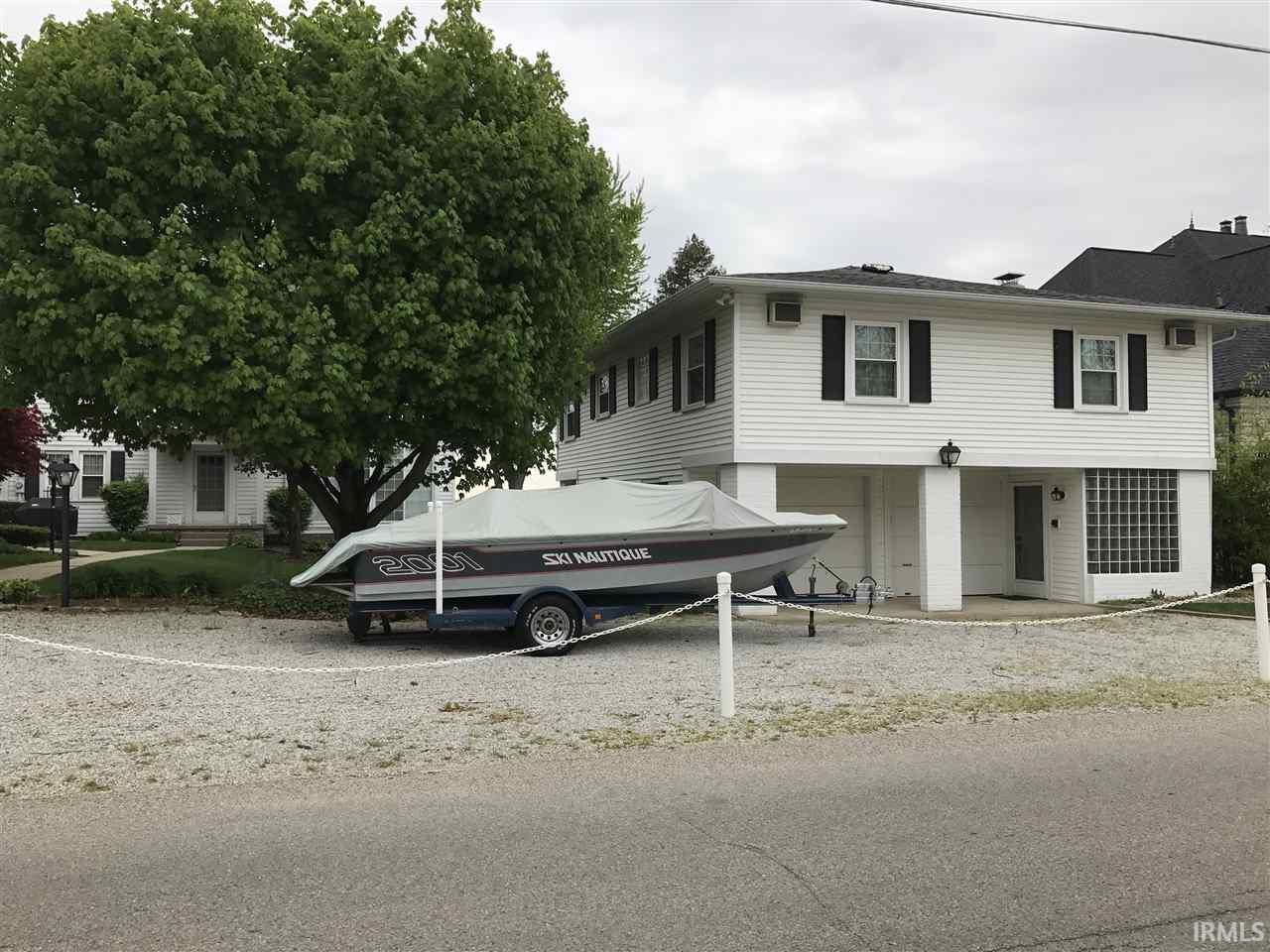 11531 N Ogden Point Road Syracuse, IN 46567