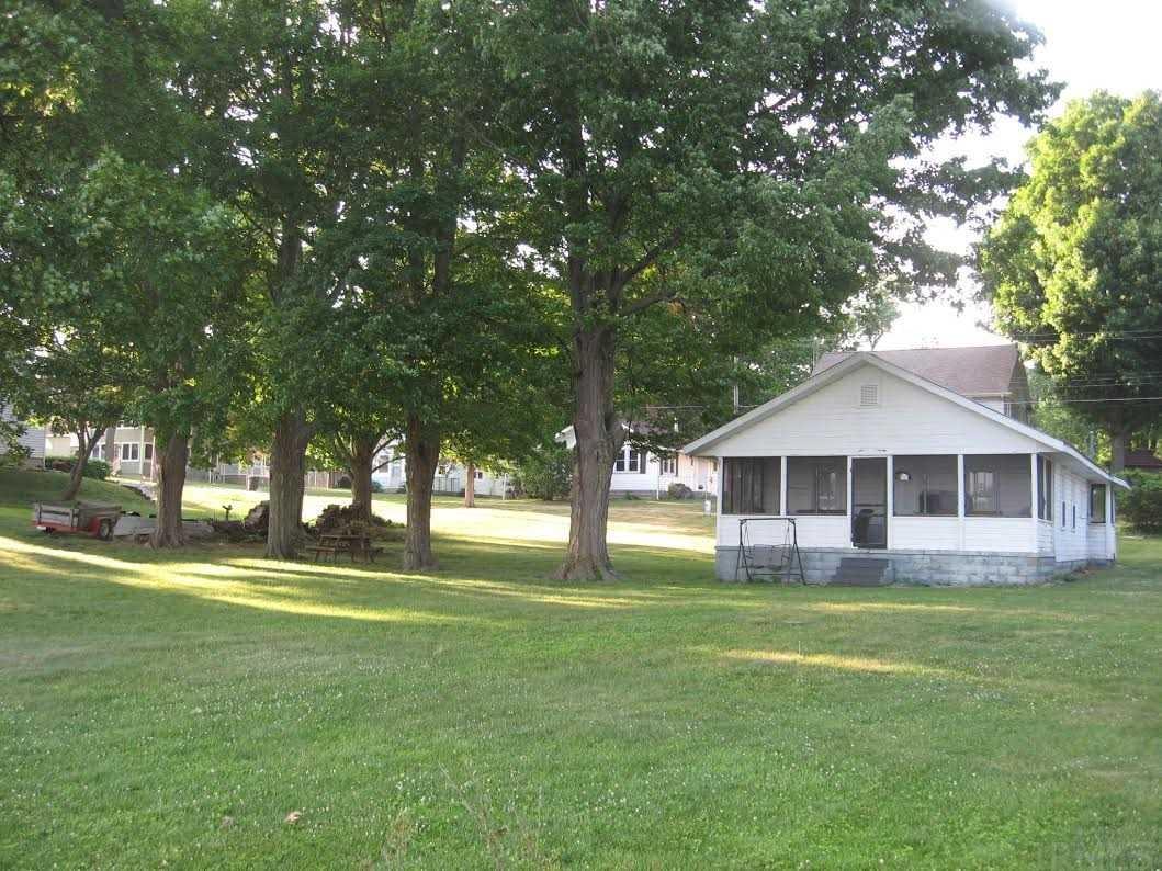 8385 E Wade Rd, North Webster, IN 46555