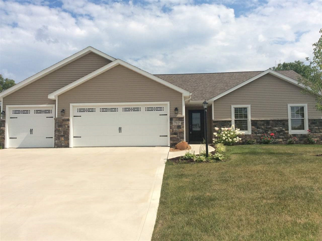 712 Bailey Court, Angola, IN 46703