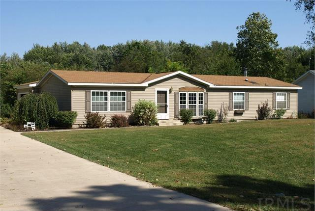 396 W RIVER CHASE DR, Warsaw, IN 46582