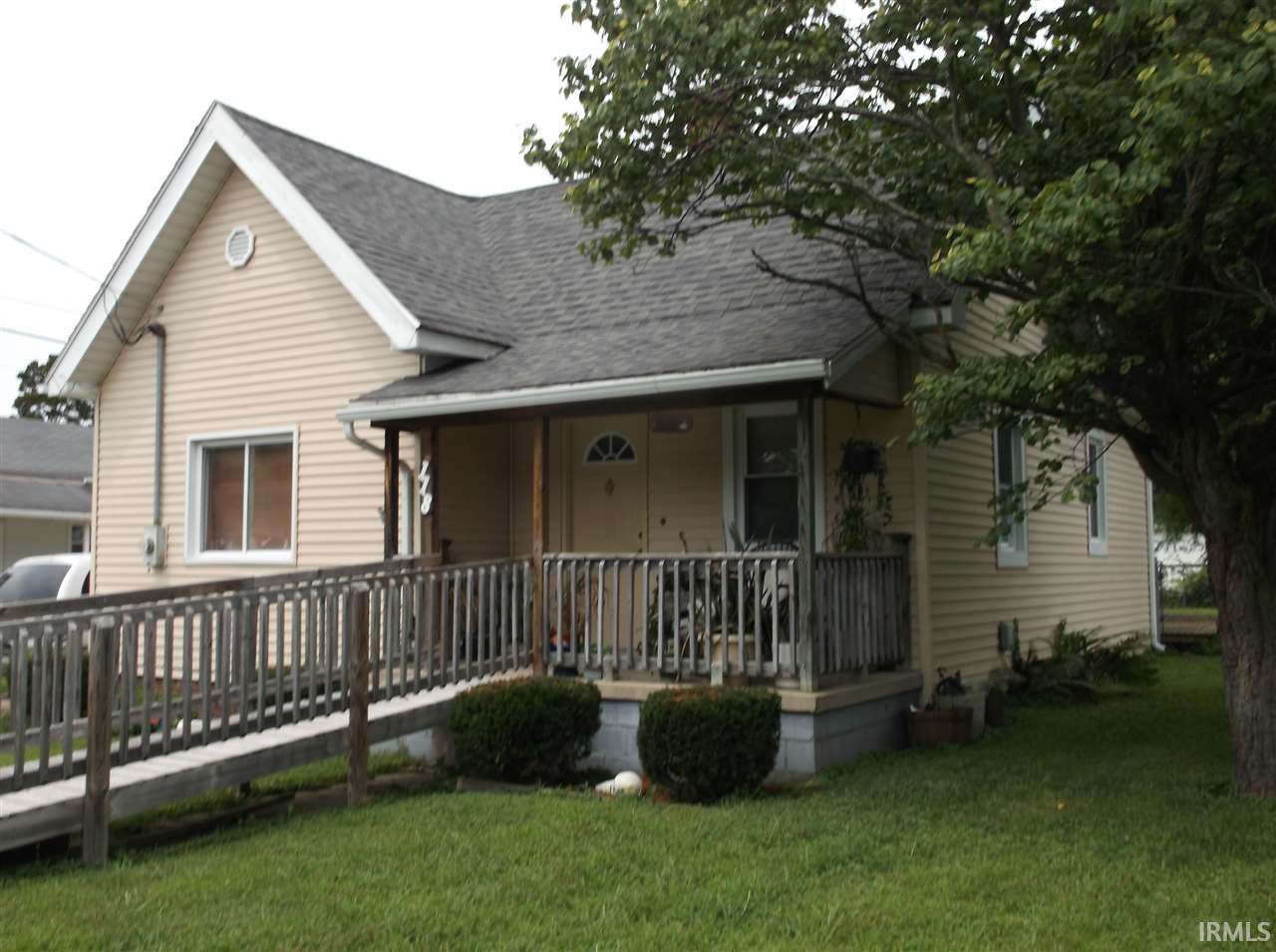 118 W South St., Bloomfield, IN 47424