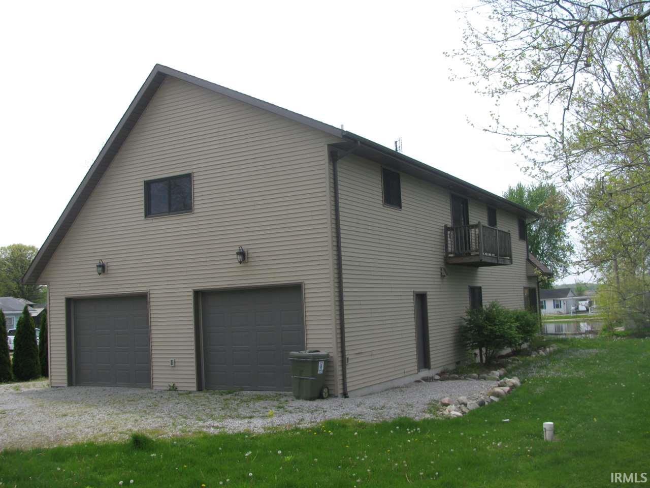 1380 E 690 S, Wolcottville, IN 46795