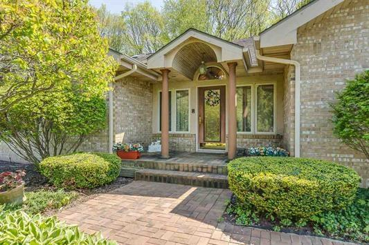 1526 Meadow Trail, South Bend, IN 46614