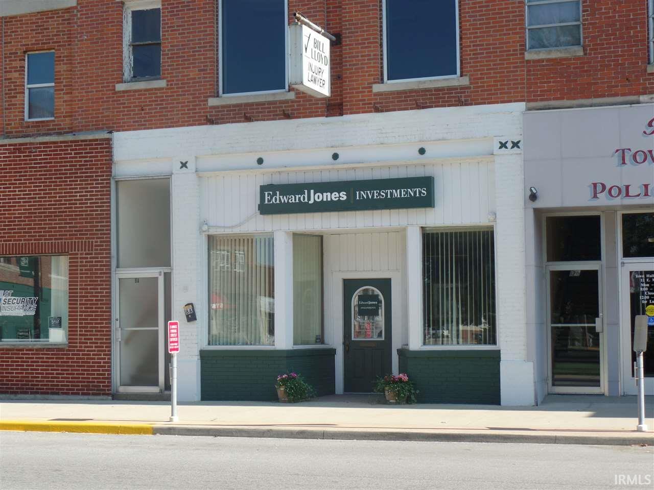 8 E Main Street, Bloomfield, IN 47424