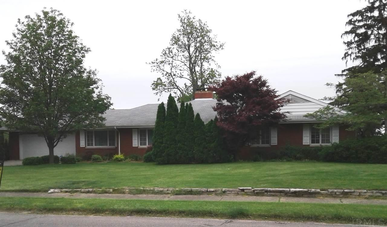 1601 Inwood, South Bend, IN 46614