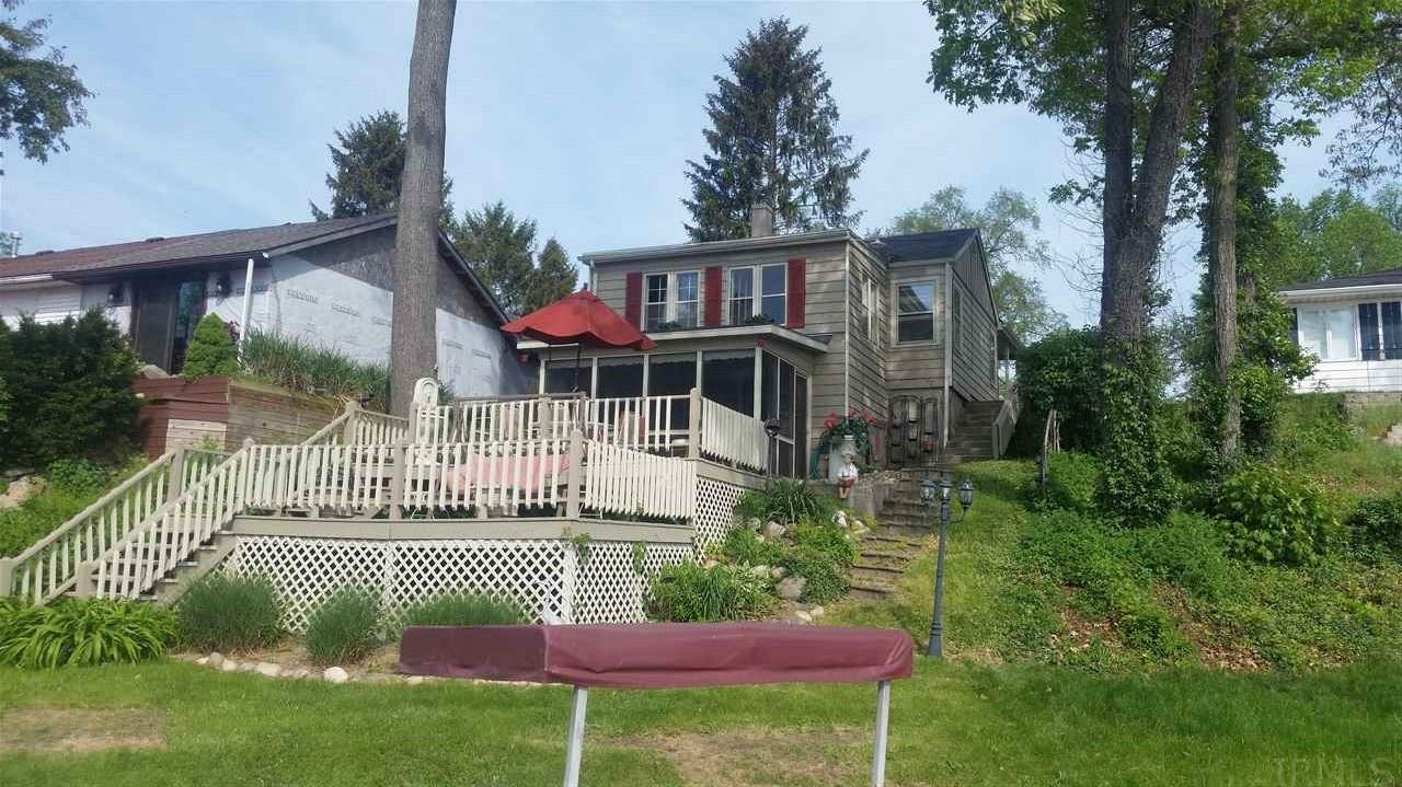 103  Lakeview Walkerton, IN 46574
