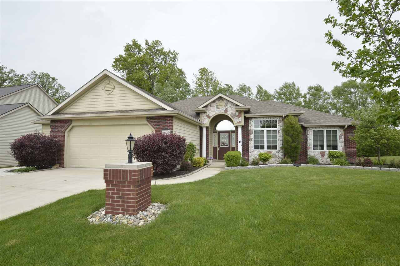 9825 Forest Creek, Fort Wayne, IN 46835