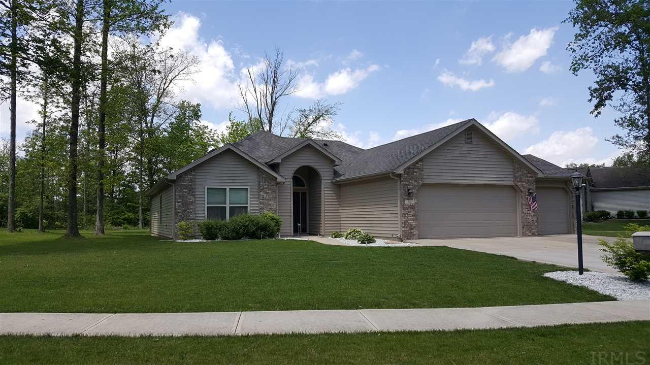 212 Woodland, Hartford City, IN 47348-8735