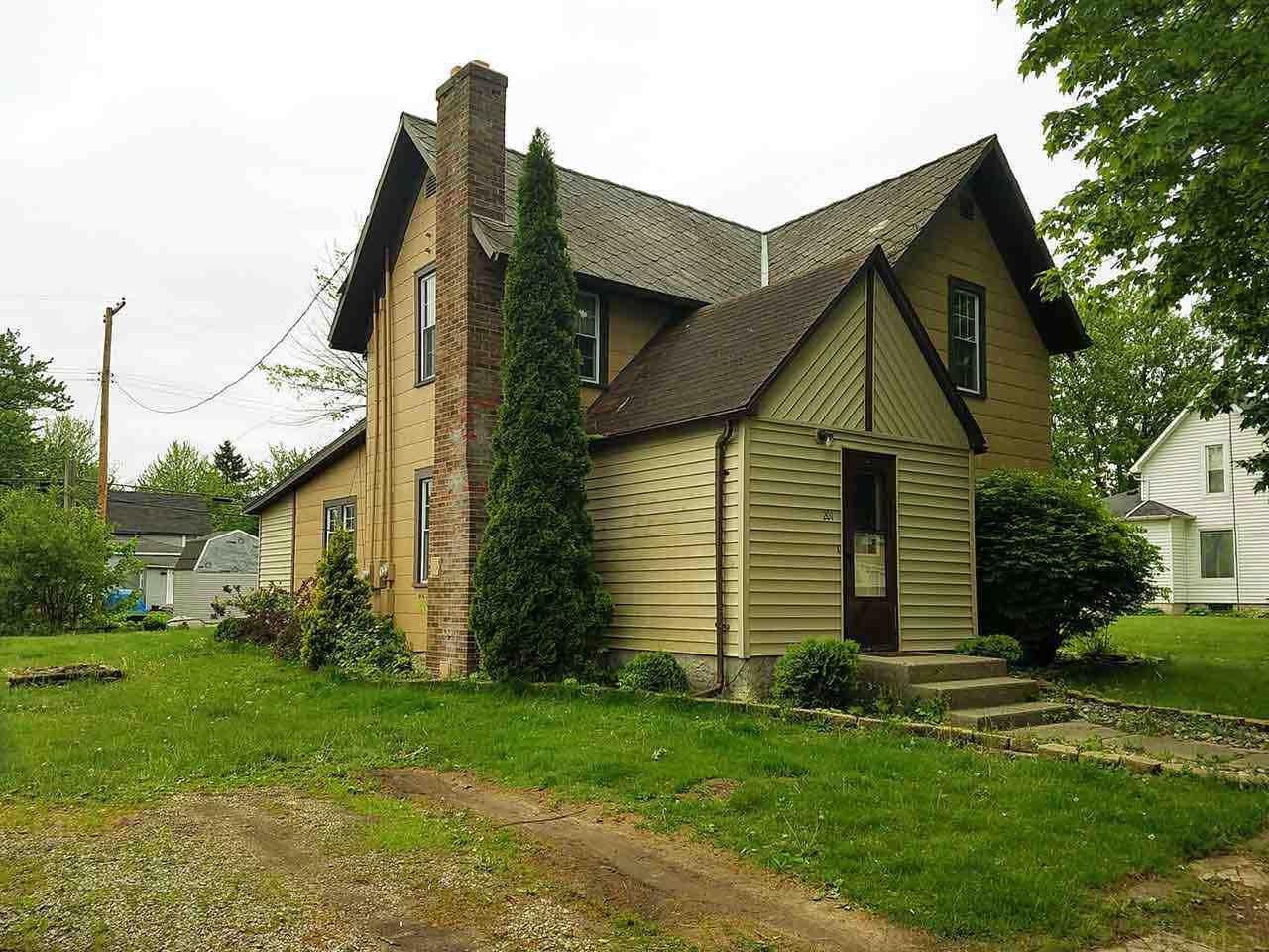 129 S Grand Ave, Ashley, IN