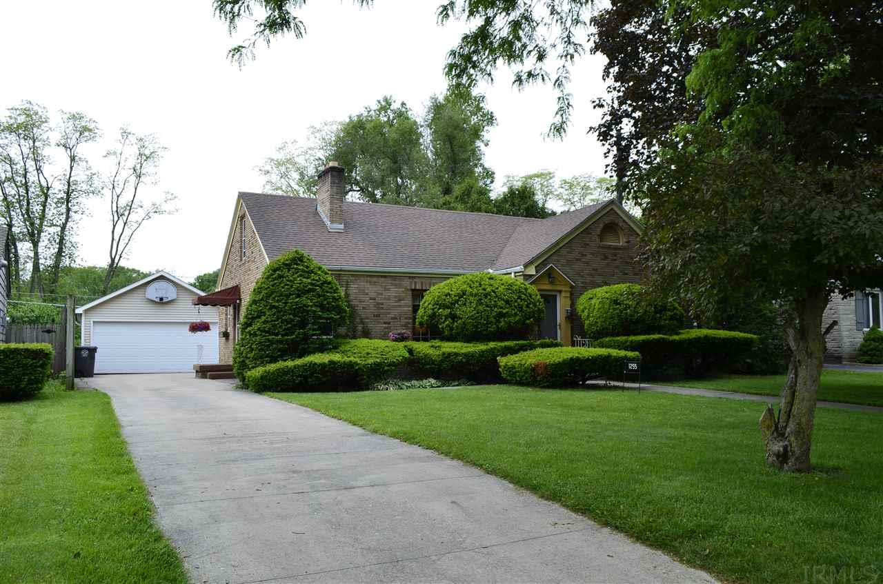 1255 W Sherwood, Fort Wayne, IN 46807