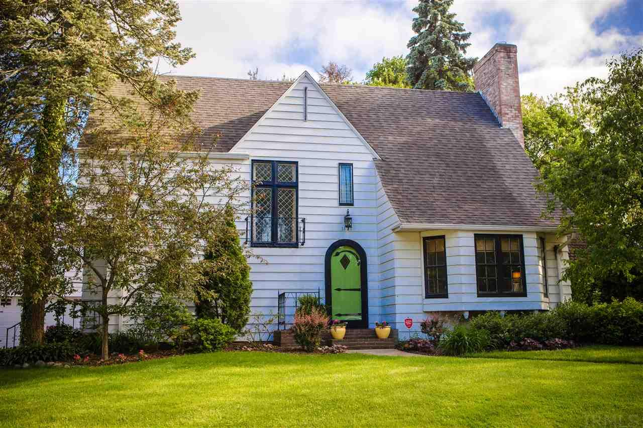 1120 E Eckman, South Bend, IN 46614