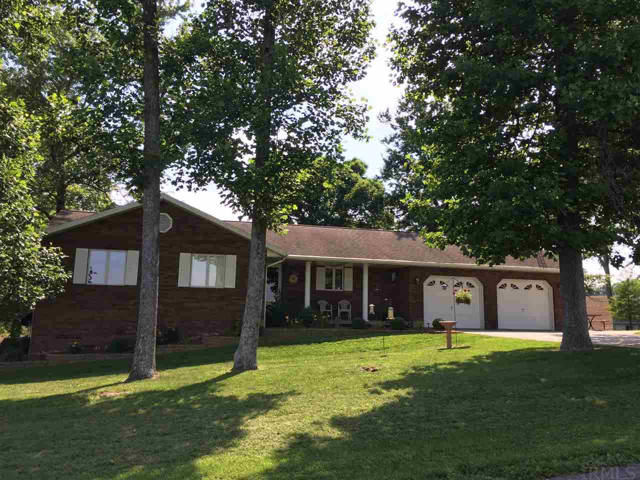 1454 E Holiday Lake, Ferdinand, IN 47532