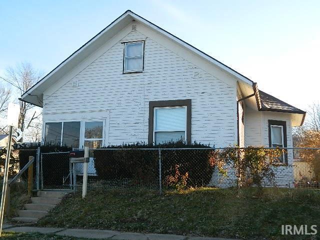 156 N BRANSON, Marion, IN 46952