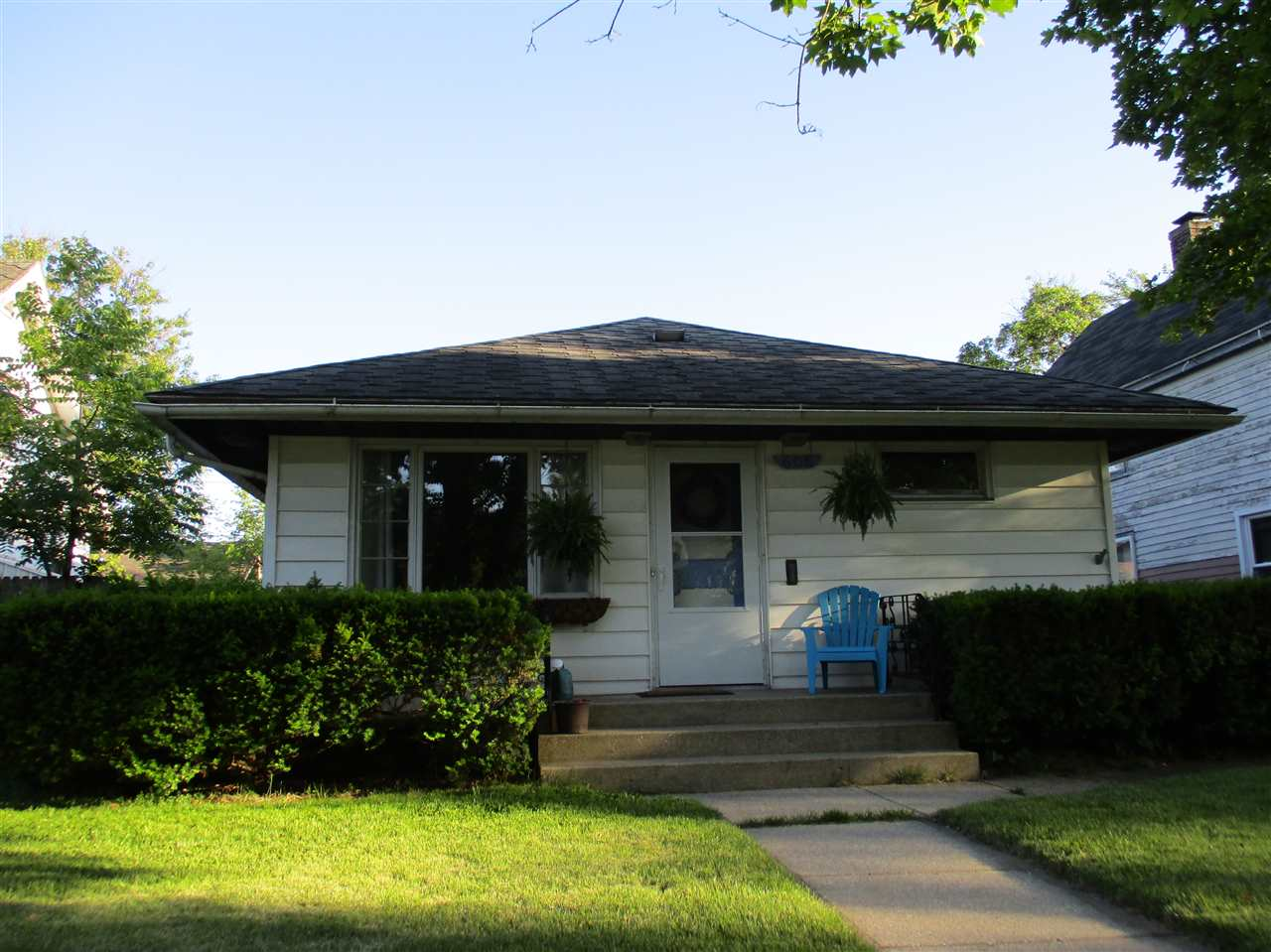 606 E Fairview, South Bend, IN 46614
