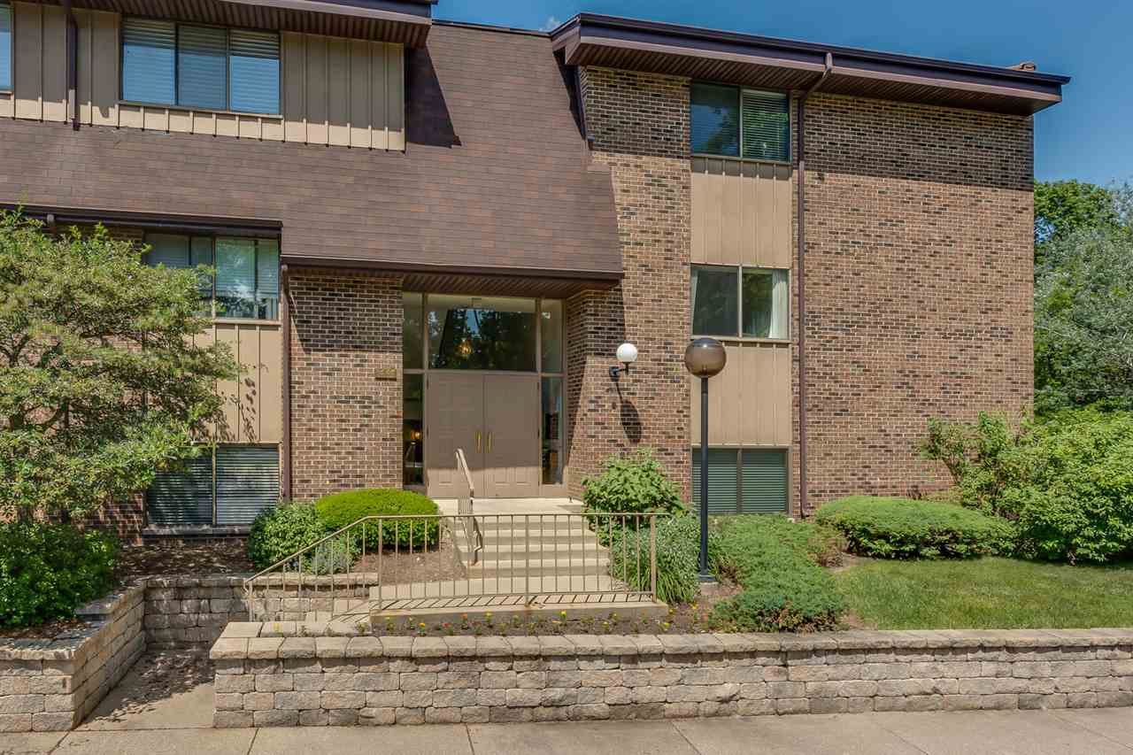 1447 Wildflower 205, South Bend, IN 46617