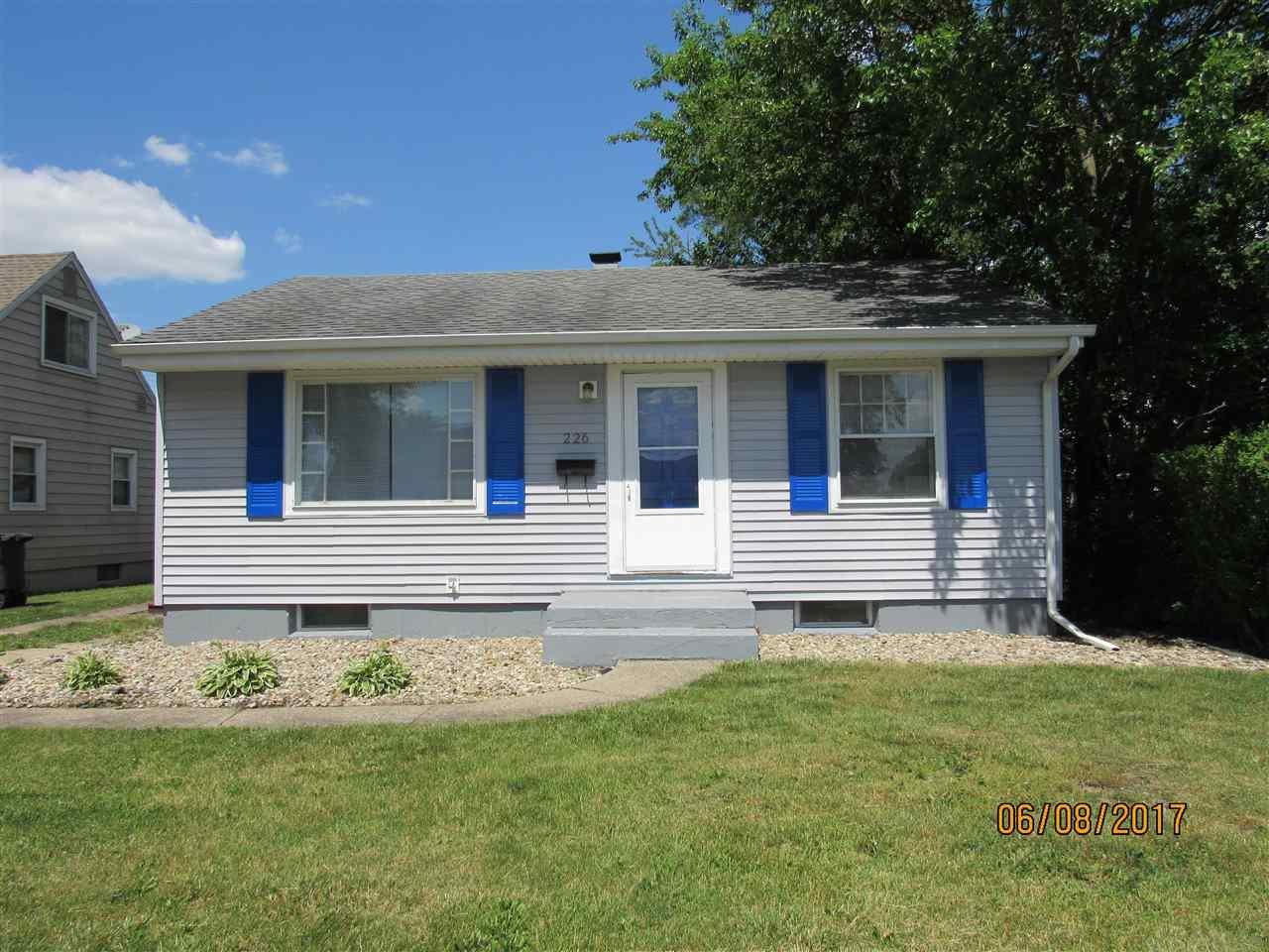 226 Village Way, South Bend, IN 46619