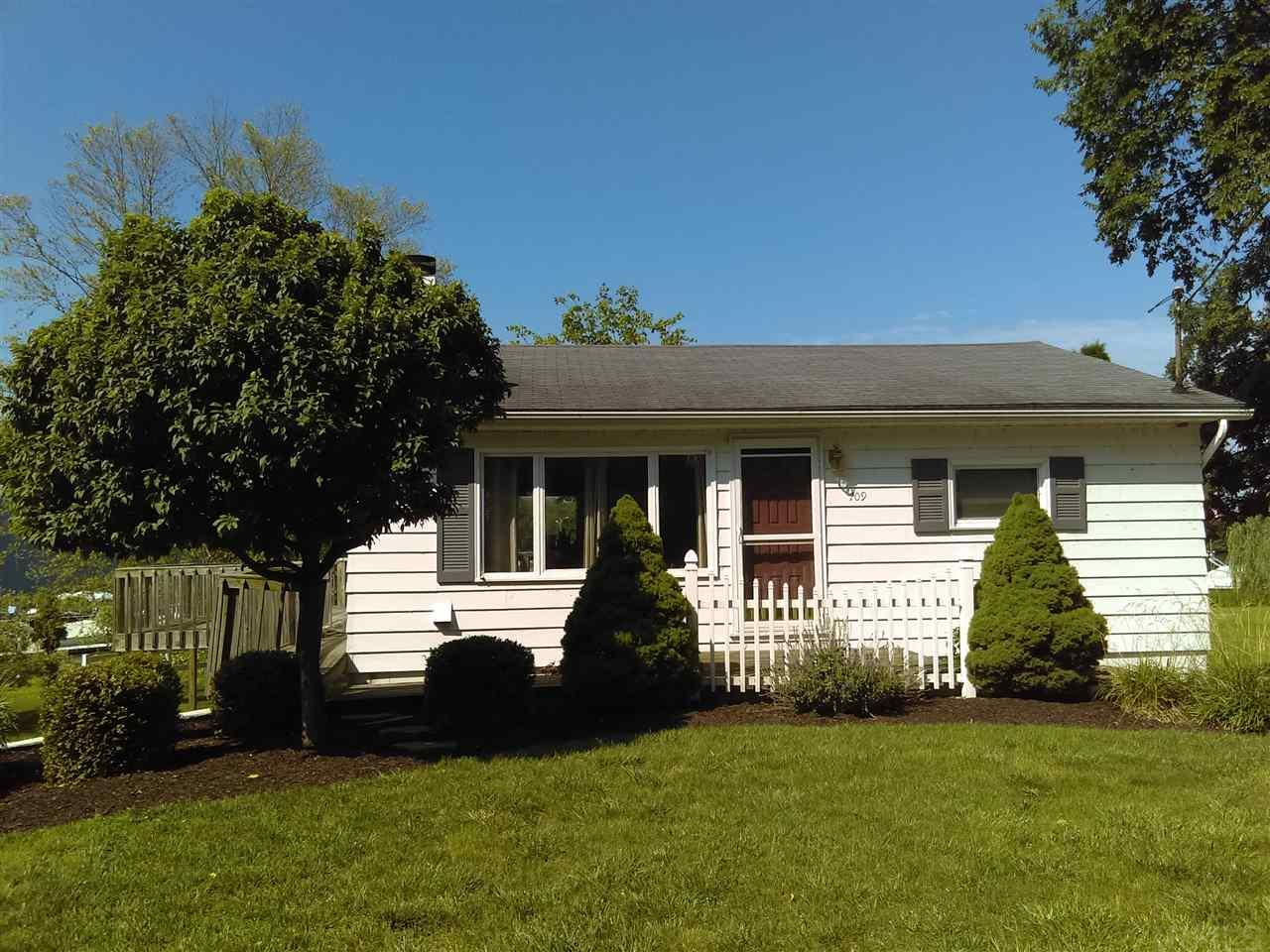 709 S Lakeside Drive, Syracuse, IN 46567