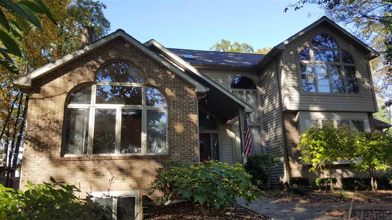 207 Woodcliff, Warsaw, IN 46582