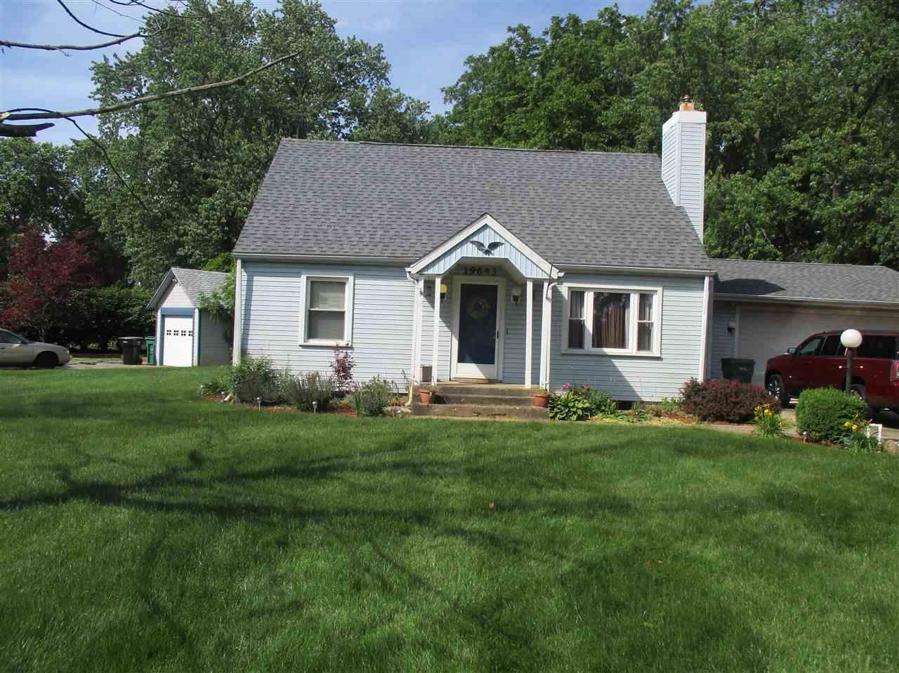 19643 S Paxson, South Bend, IN 46637