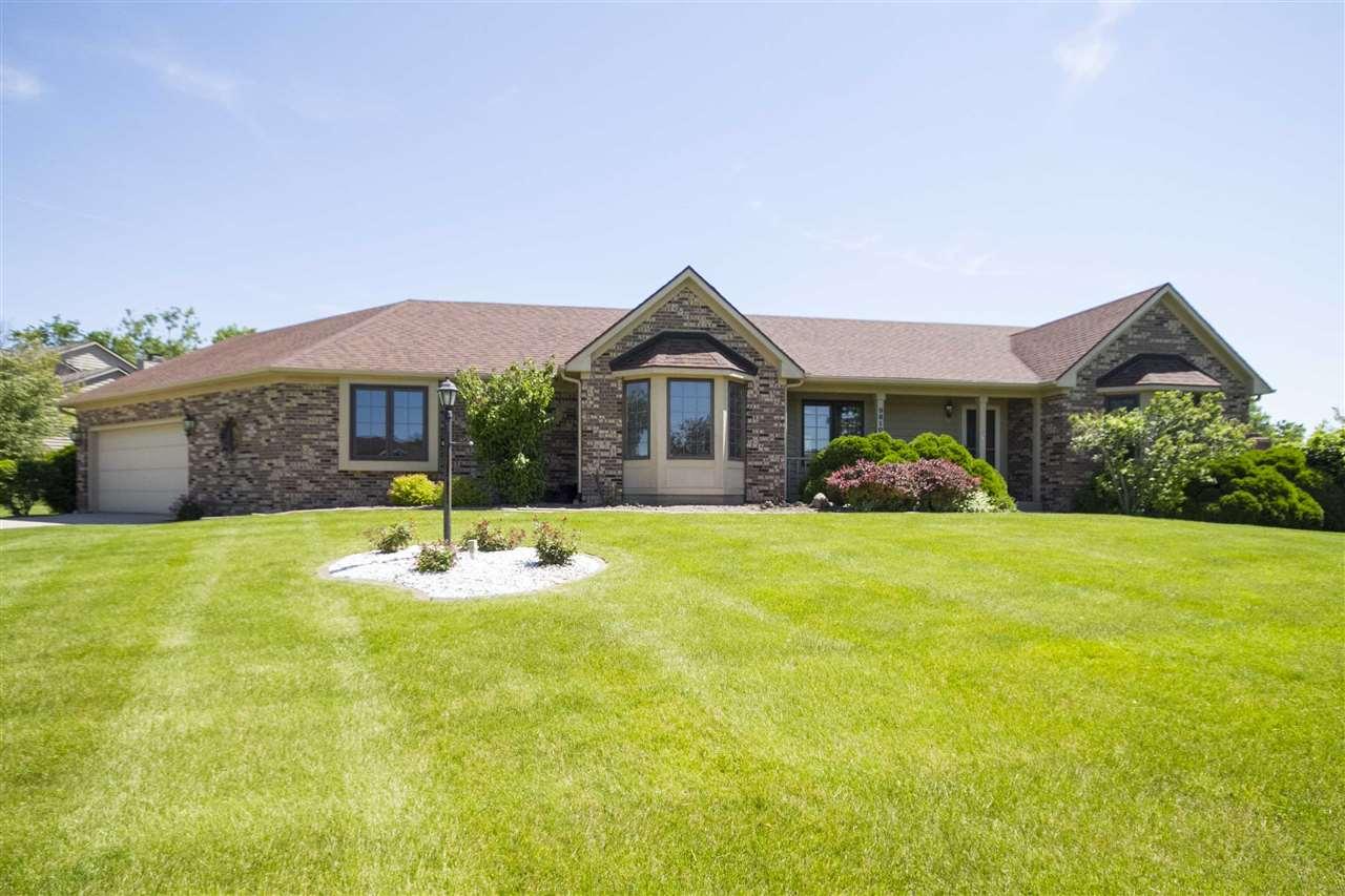 9810 Silver Lake Court, Fort Wayne, IN 46825