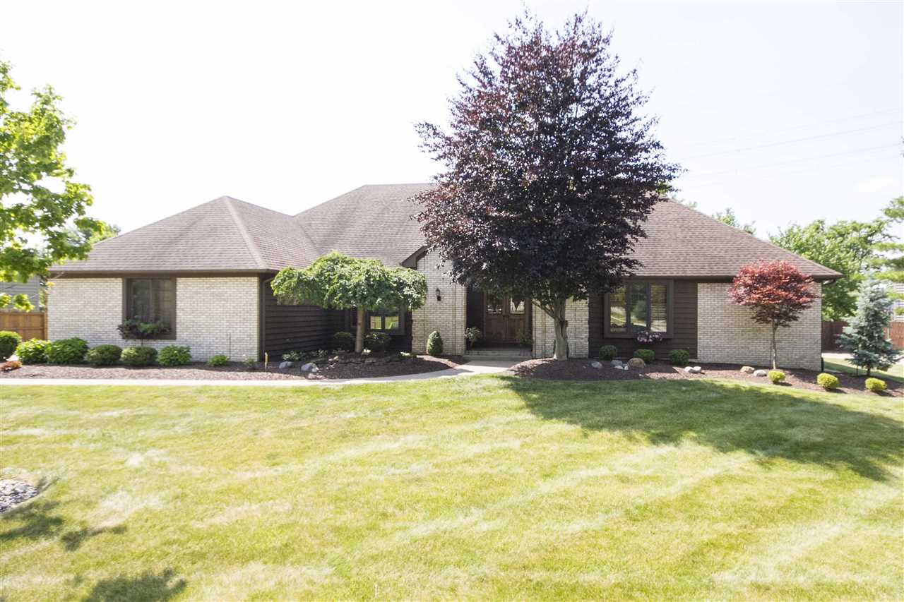1816 Woodland Lake Pass, Fort Wayne, IN 46825