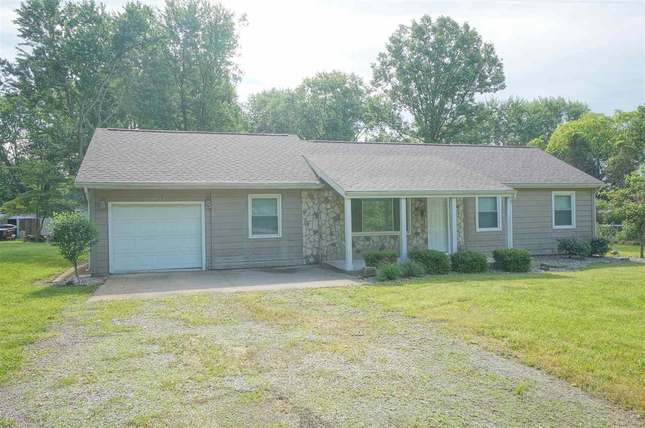 7727 W County Line, Roanoke, IN 46783