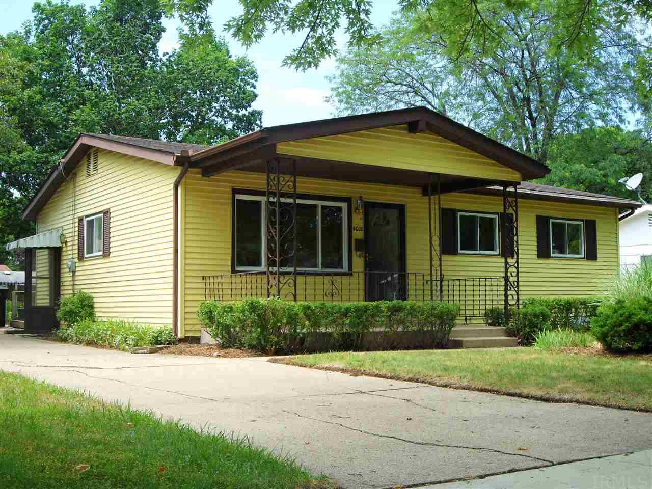 4021  Manor South Bend, IN 46614