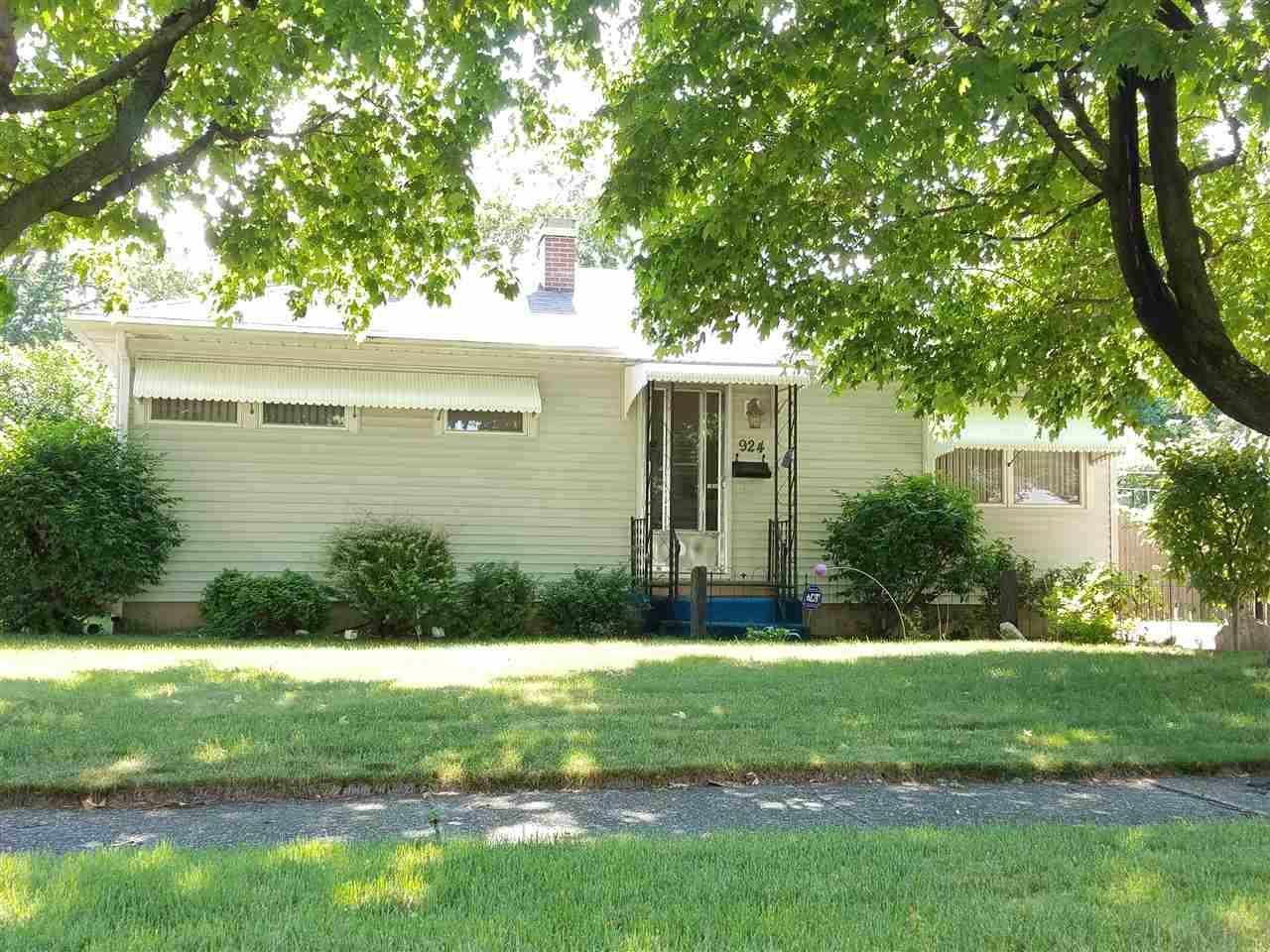 924 Sussex, South Bend, IN 46628