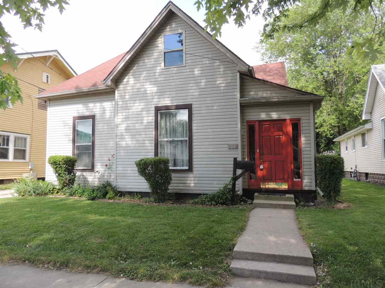 809 N Clay St, Frankfort, IN 46041