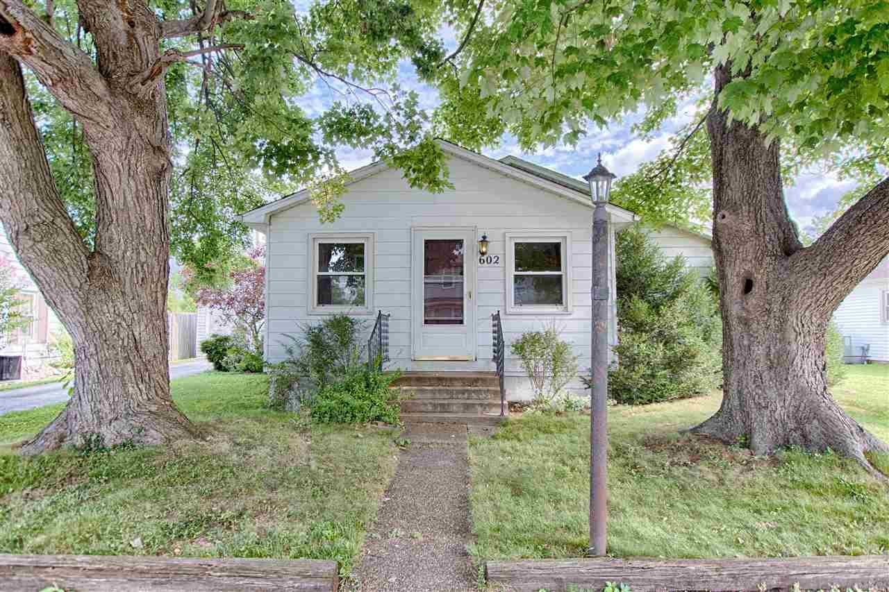 602 E Moore, Boonville, IN 47601
