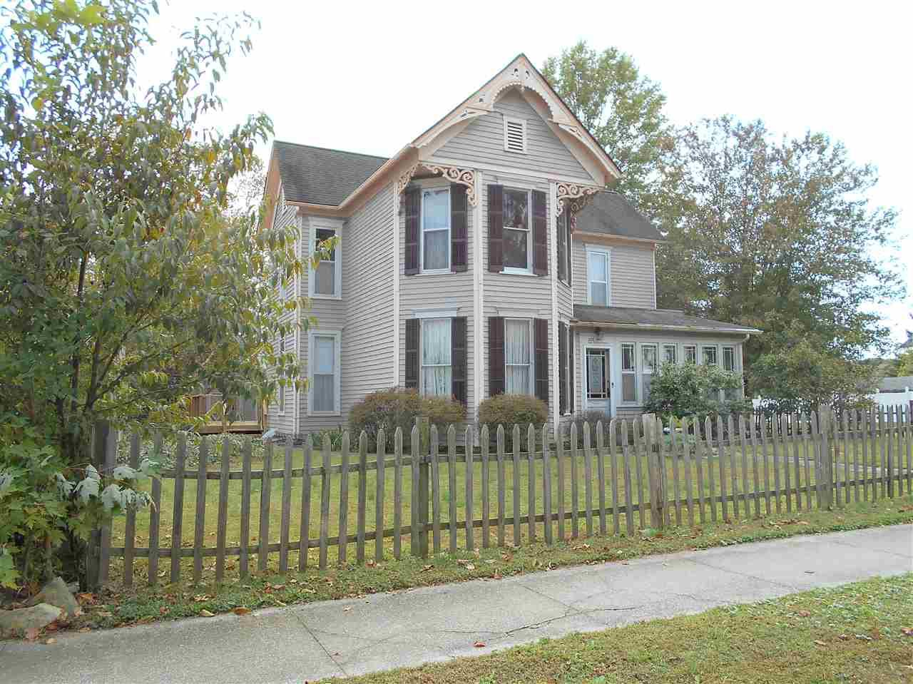 201 E 2nd, Huntingburg, IN 47542