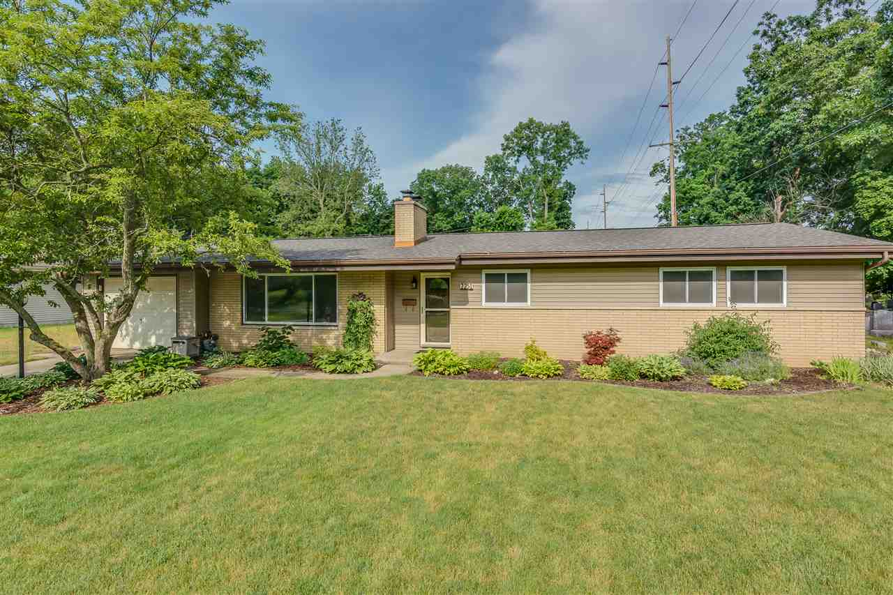 2251  Beverly South Bend, IN 46616