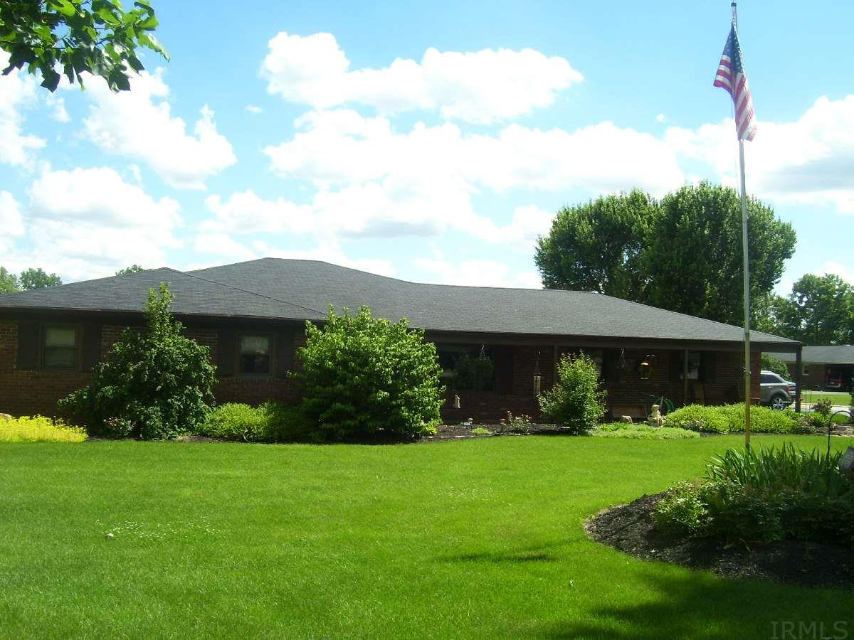 716 N West Point Drive, Logansport, IN 46947