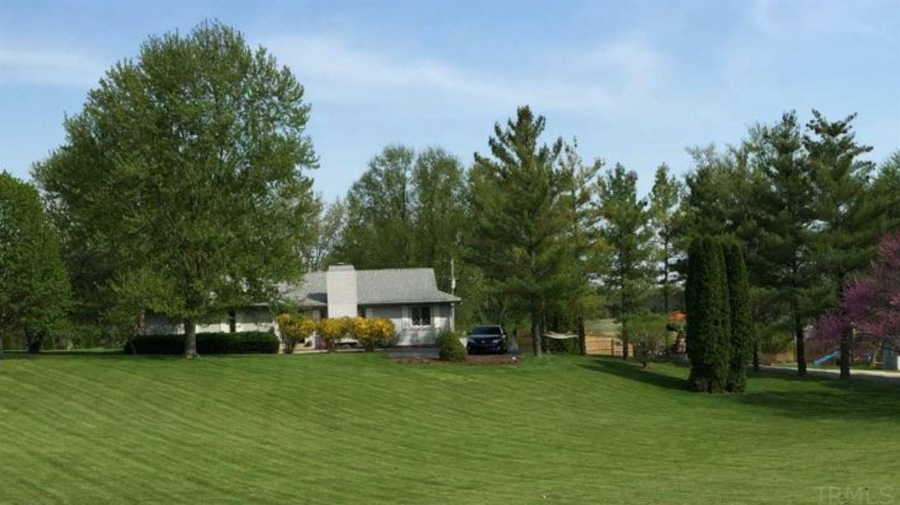 11307 N Roanoke, Roanoke, IN 46783