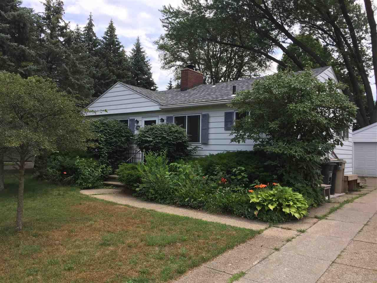 1714  Churchill South Bend, IN 46617
