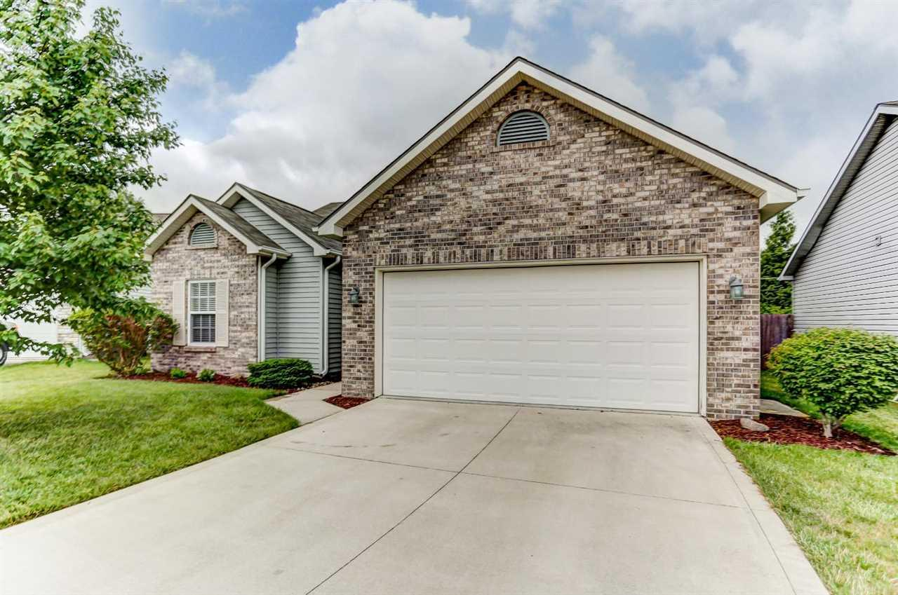 3901 Whitfield Chase, Fort Wayne, IN 46815