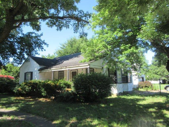 647 3RD, Plainville, IN 47568