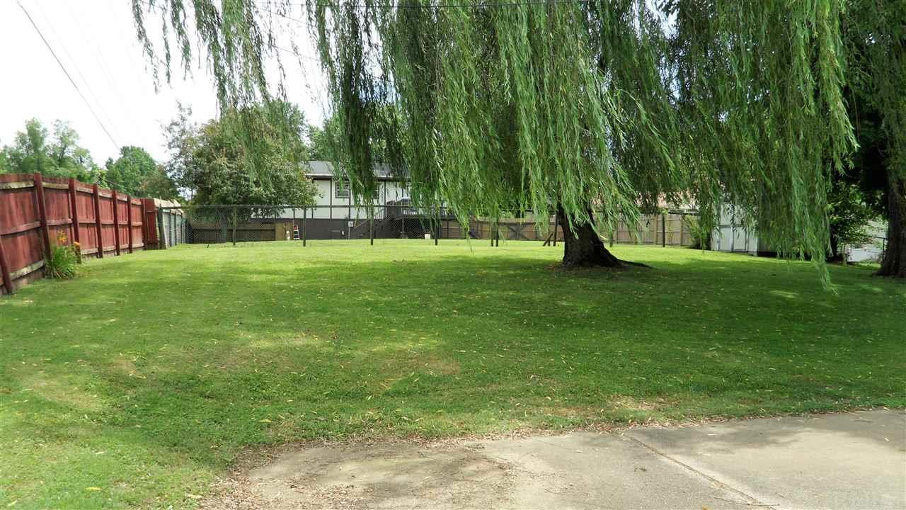 7233 Oakdale, Newburgh, IN 47630