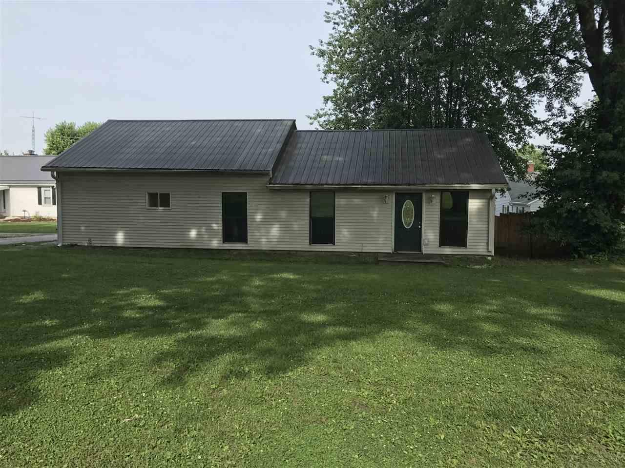 564 INDIANA AVE, Bloomfield, IN 47424