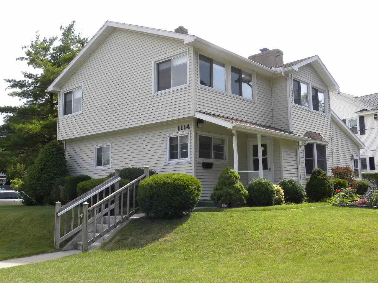 1114 Iroquois, South Bend, IN 46617