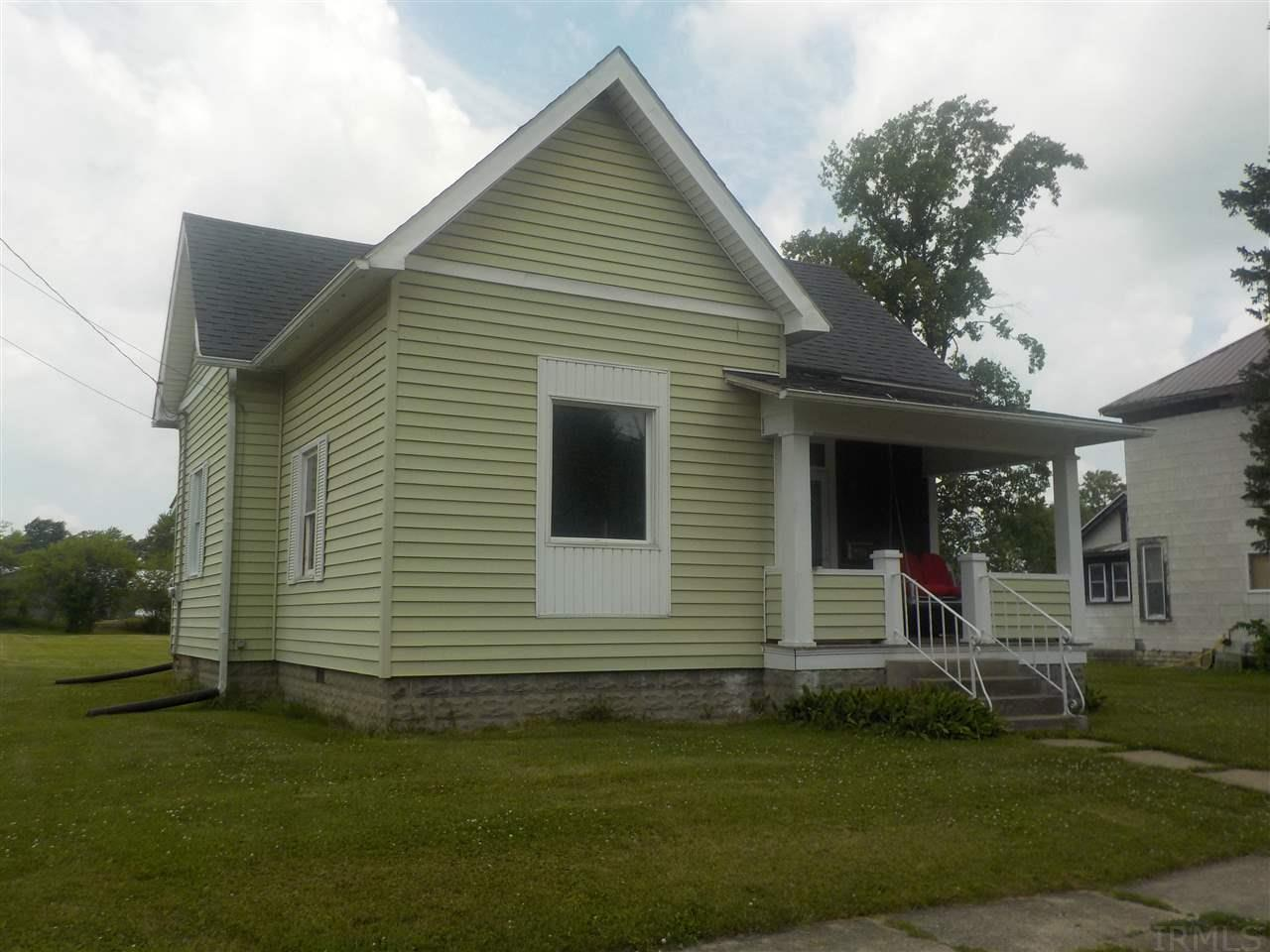 407 S Center St, Flora, IN 46929