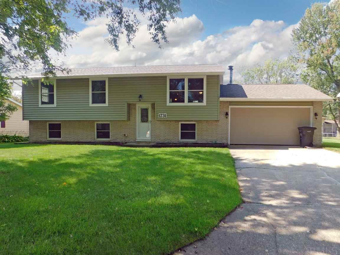 1731 Canterbury, Elkhart, IN 46514
