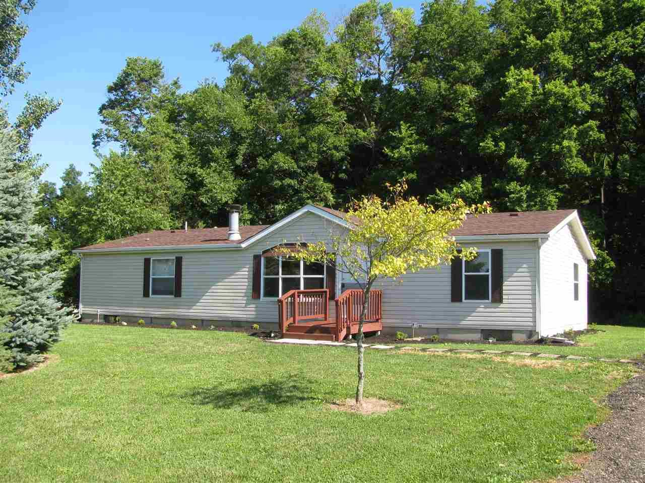 2165 E Mapes, Kendallville, IN 46755