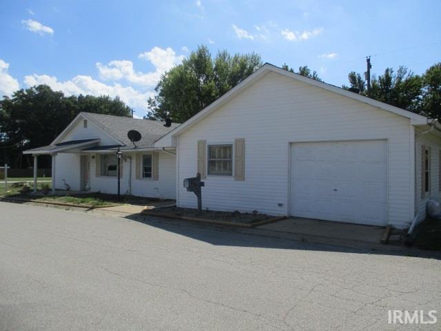 9279 N Old US 41, Farmersburg, IN 47850