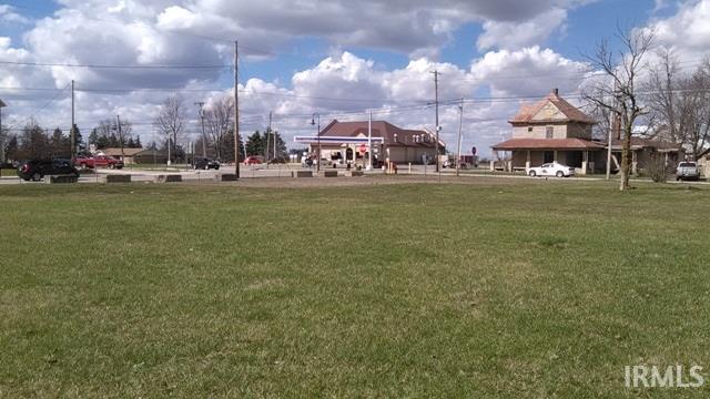 N Main, Farmland, IN 47340
