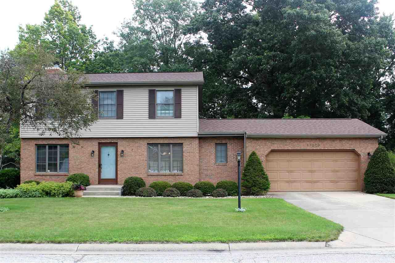 57070 Pine View, South Bend, IN 46619