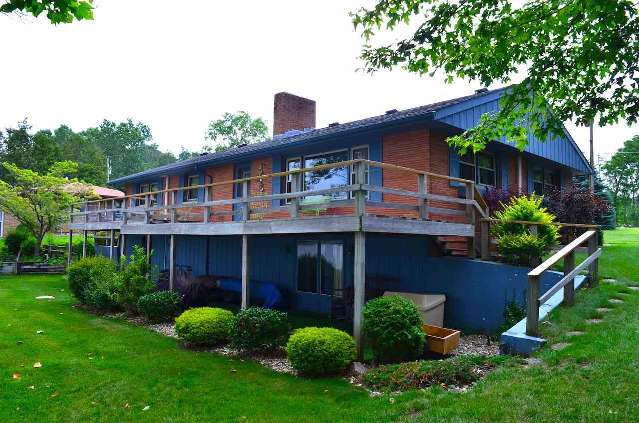 401 Sunset Shores, Kendallville, IN 46755